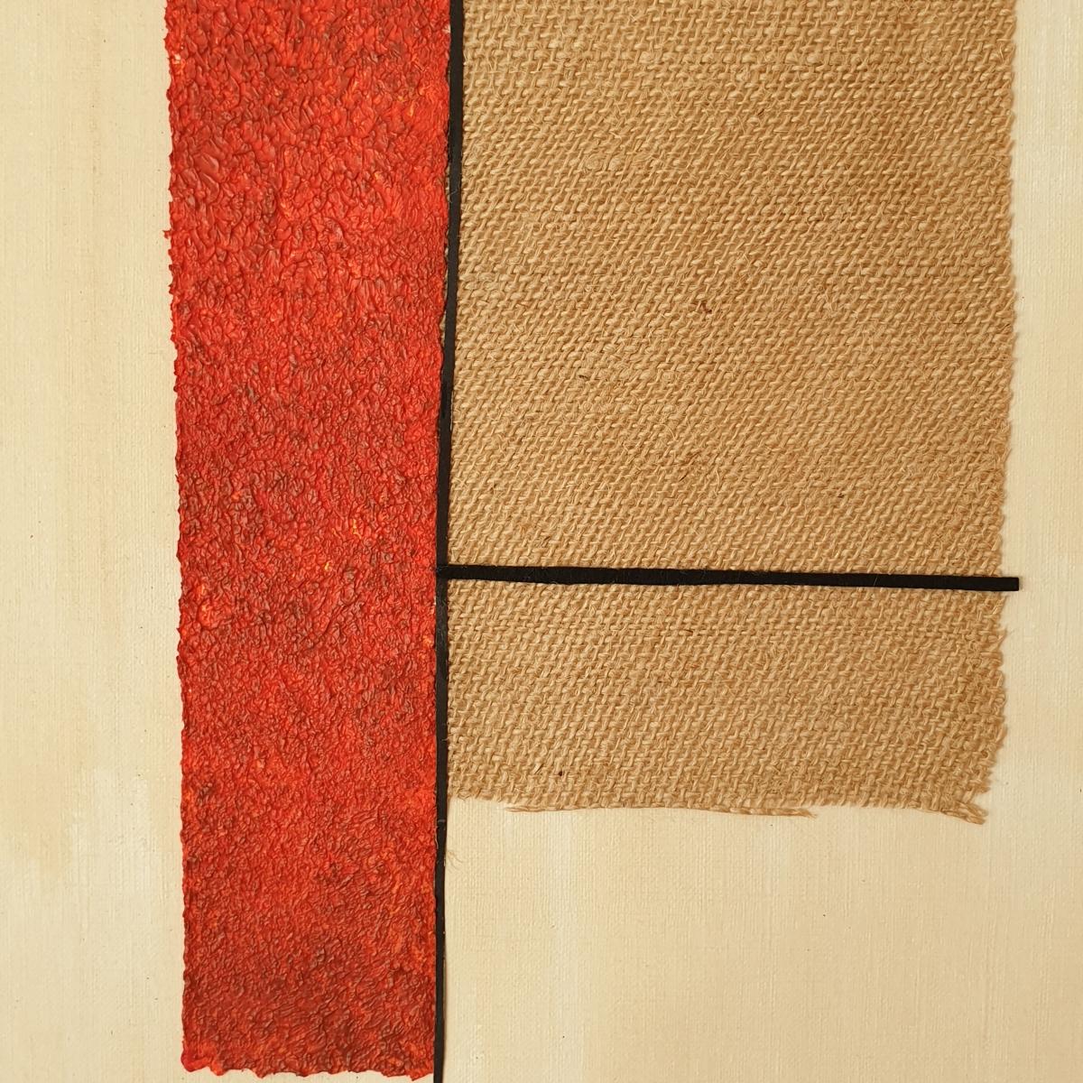 """Detalle del interior de la obra """"Slightly different"""", con arpillera, cartulina y pintura acrílica"""