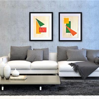 """Obras abstractas tituladas """"Simpathy"""" y """"Wellness"""" decorando un salón. Autor: Tatuska"""